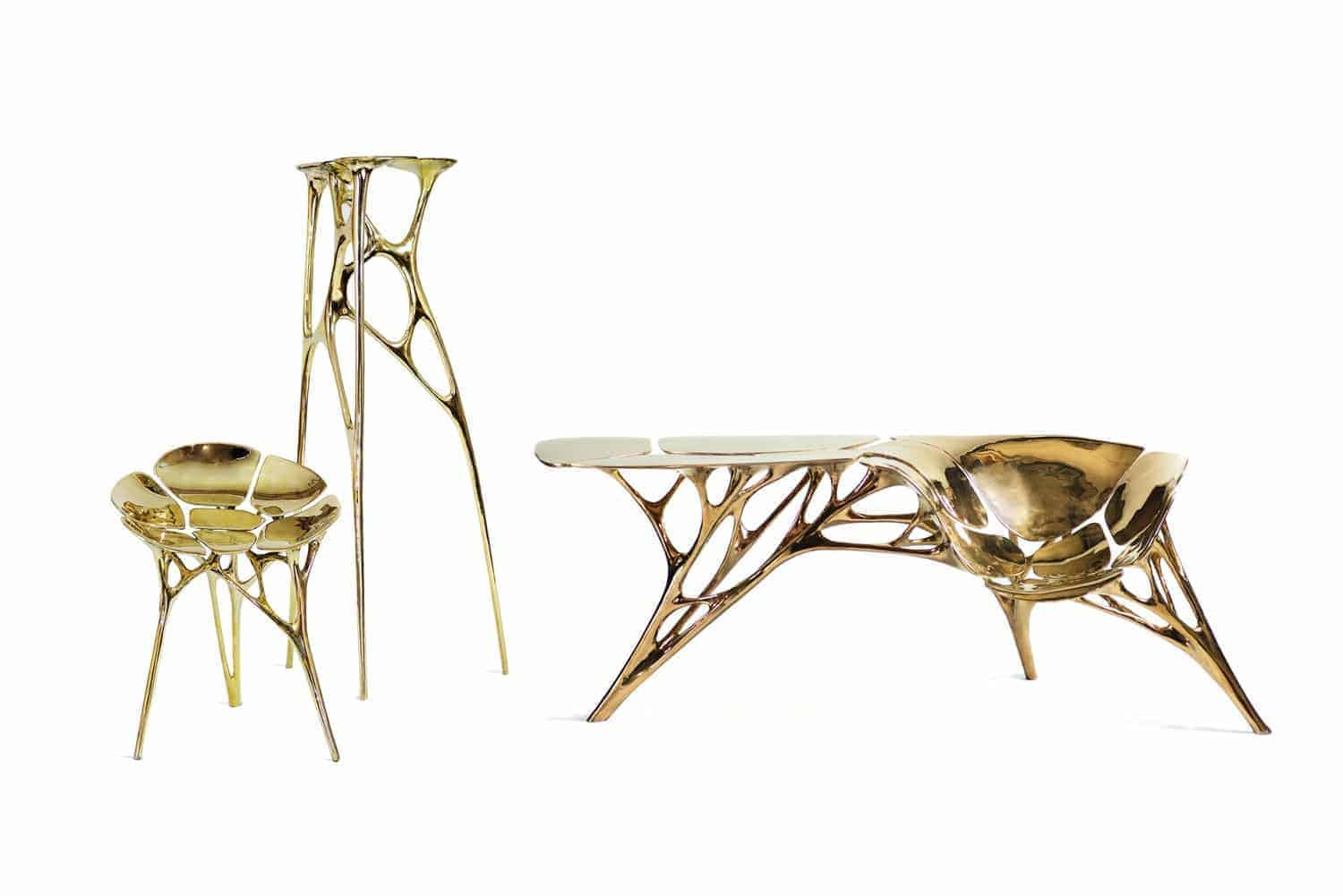 Links: Lotus Stool (2015) Midden: Lotus High Side Table (2015) Rechts: Lotus Console Table (2016)