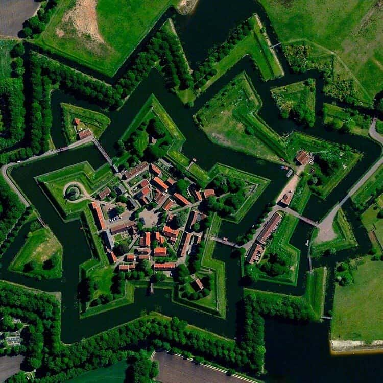 luchtfoto van Daily Overview
